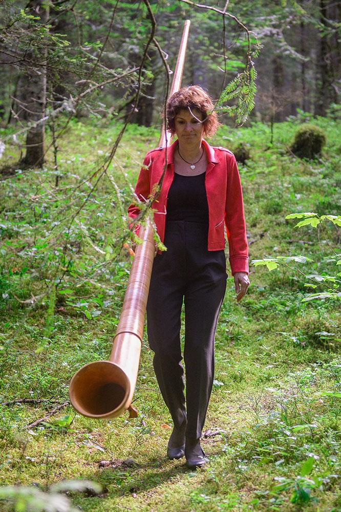 Nathalie - donnacor - trio féminin de cor des alpes - valais - suisse
